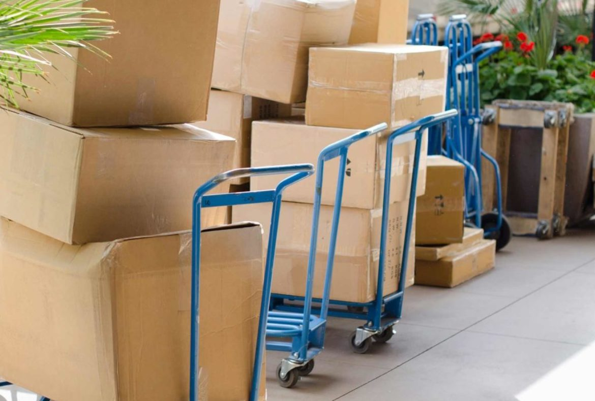 Local Moving or Long Distance Moving Opt for Moving & Storage Services